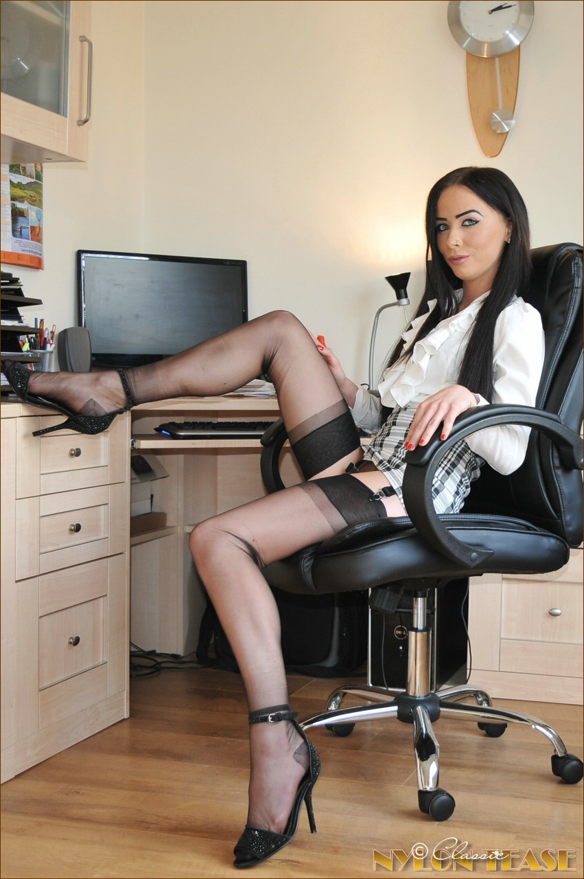 Nude hot secretary upskirt