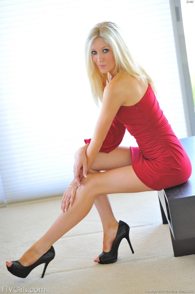 Sex photo naked tall leggy blondes