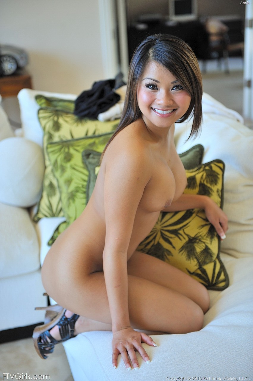 picture naked actress vietnam