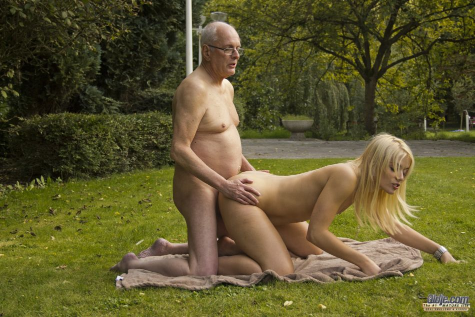 Romantic Outdoor Fuck With Gorgeous Young Blonde Lovisa Fate Perverse Family 1