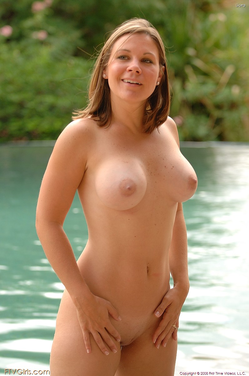 Beautiful naked pregnant girls with tiny pussy — img 11