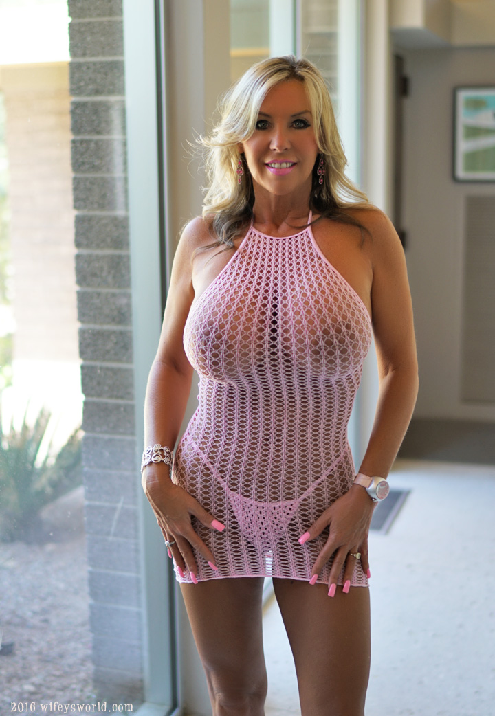 mature ladies nude gallery