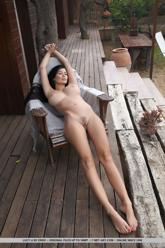 wife-naked-deck