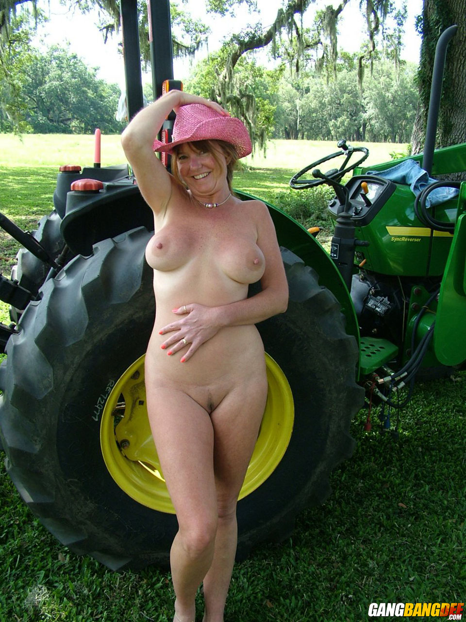 Sorry, gril hairy pussy tractor