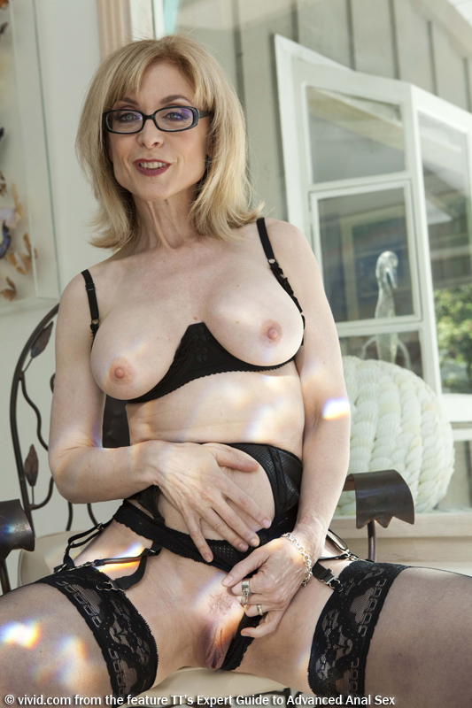Blonde moment mature pussy — photo 9