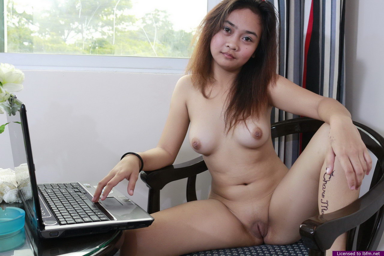 nude girl in tution showing boobs
