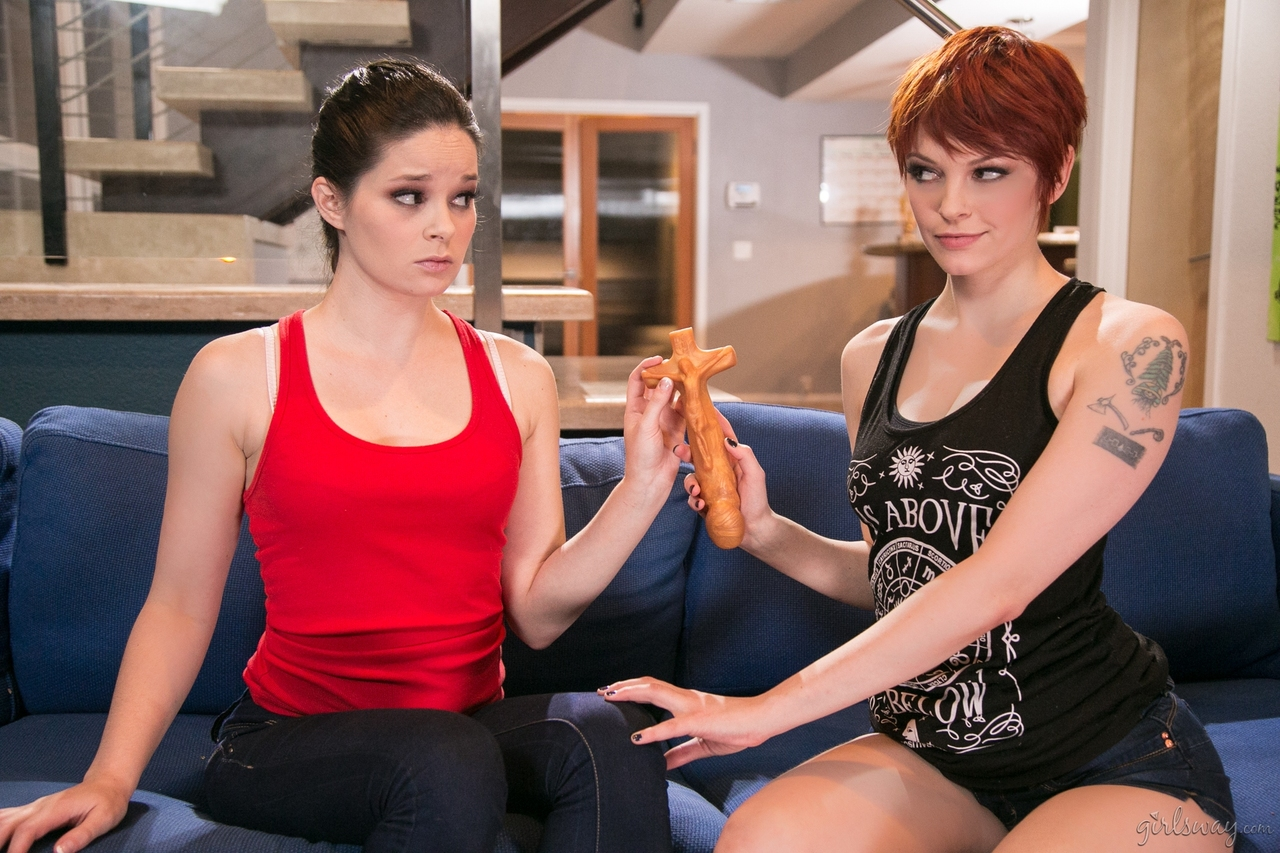 Naked Jenna J Ross  Bree Daniels engage in hot sex education with a dildo