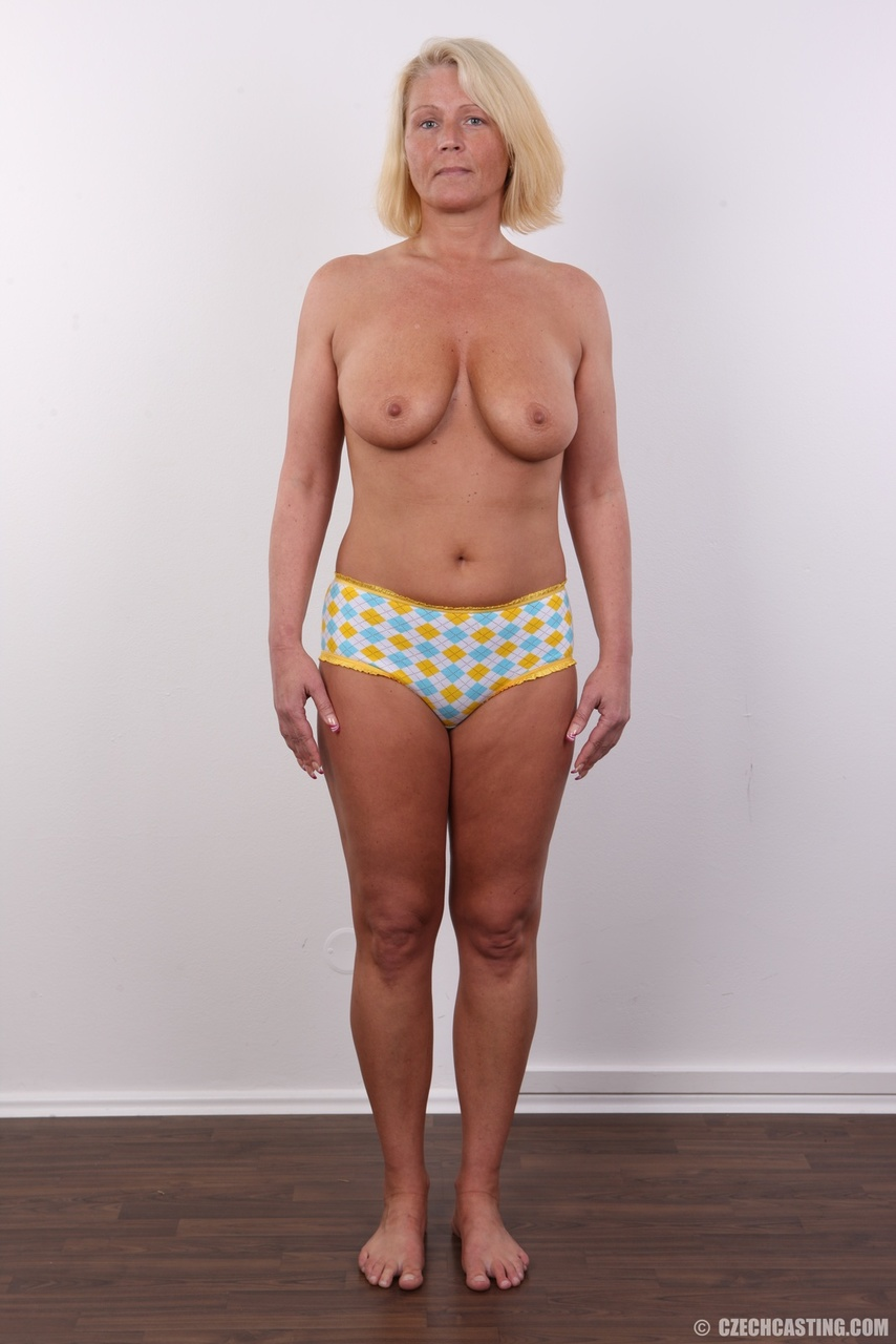 Skinny sexy nude over30 naked picture