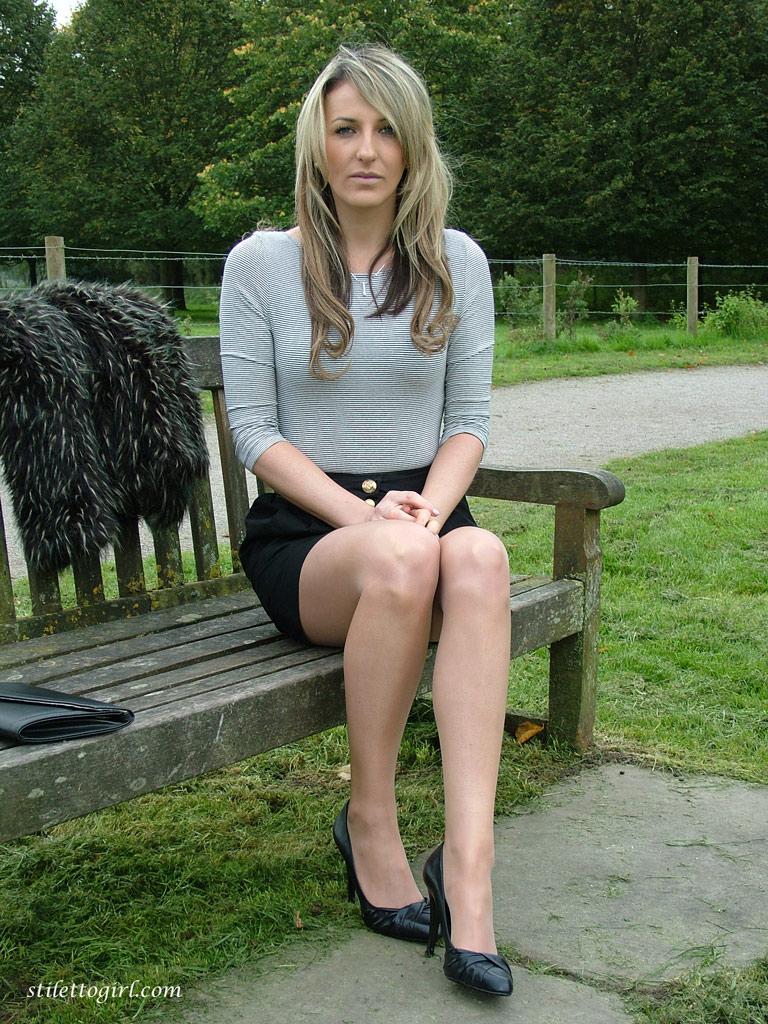 women non nude pantyhose pictures