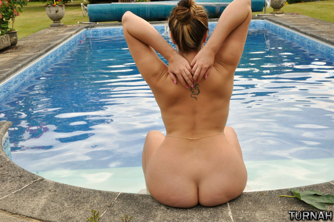 pool bbw nude girl