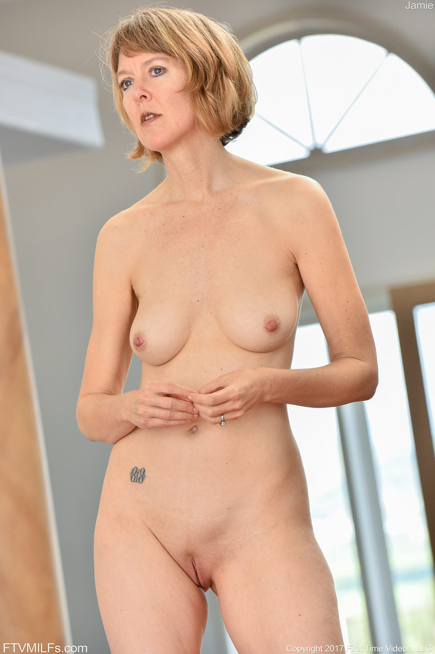 indian girl short hair nude
