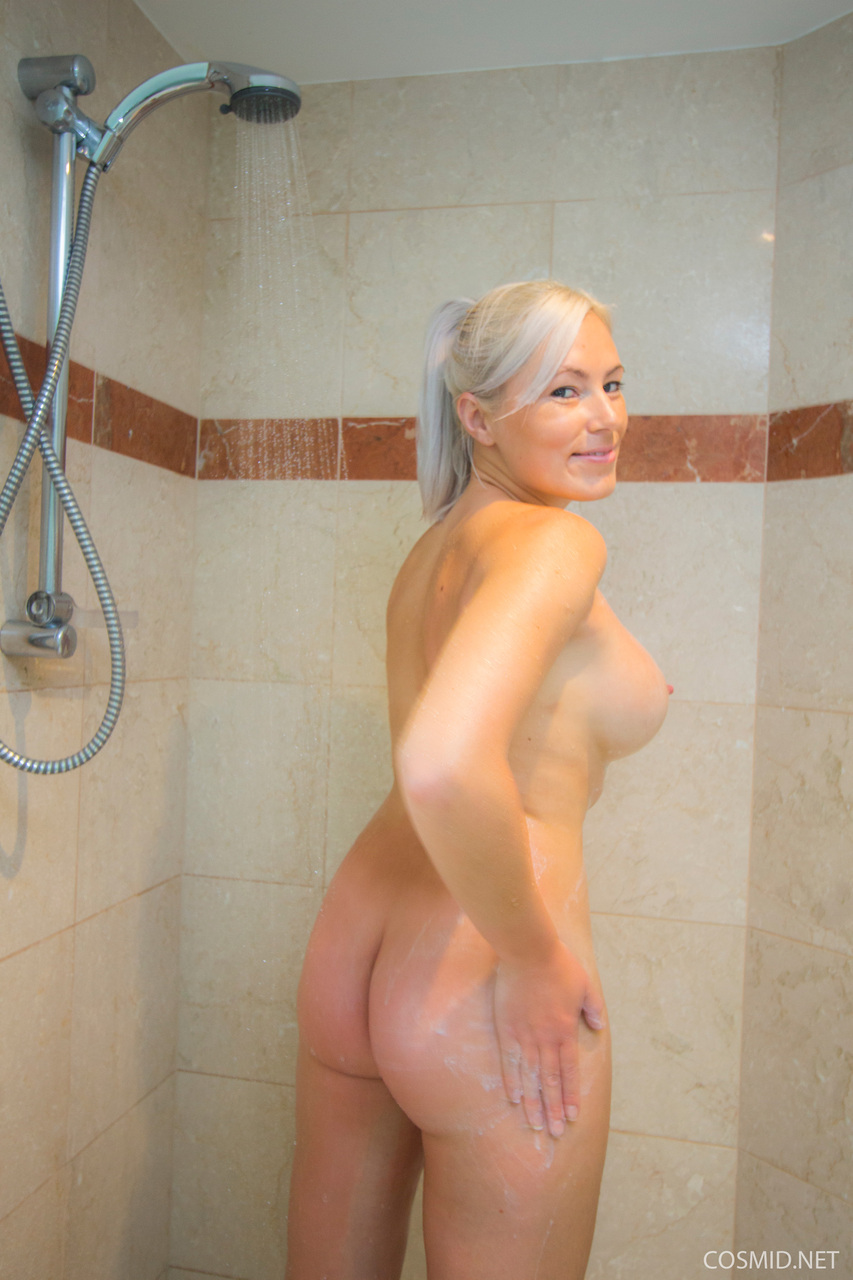 Blonde chubby large