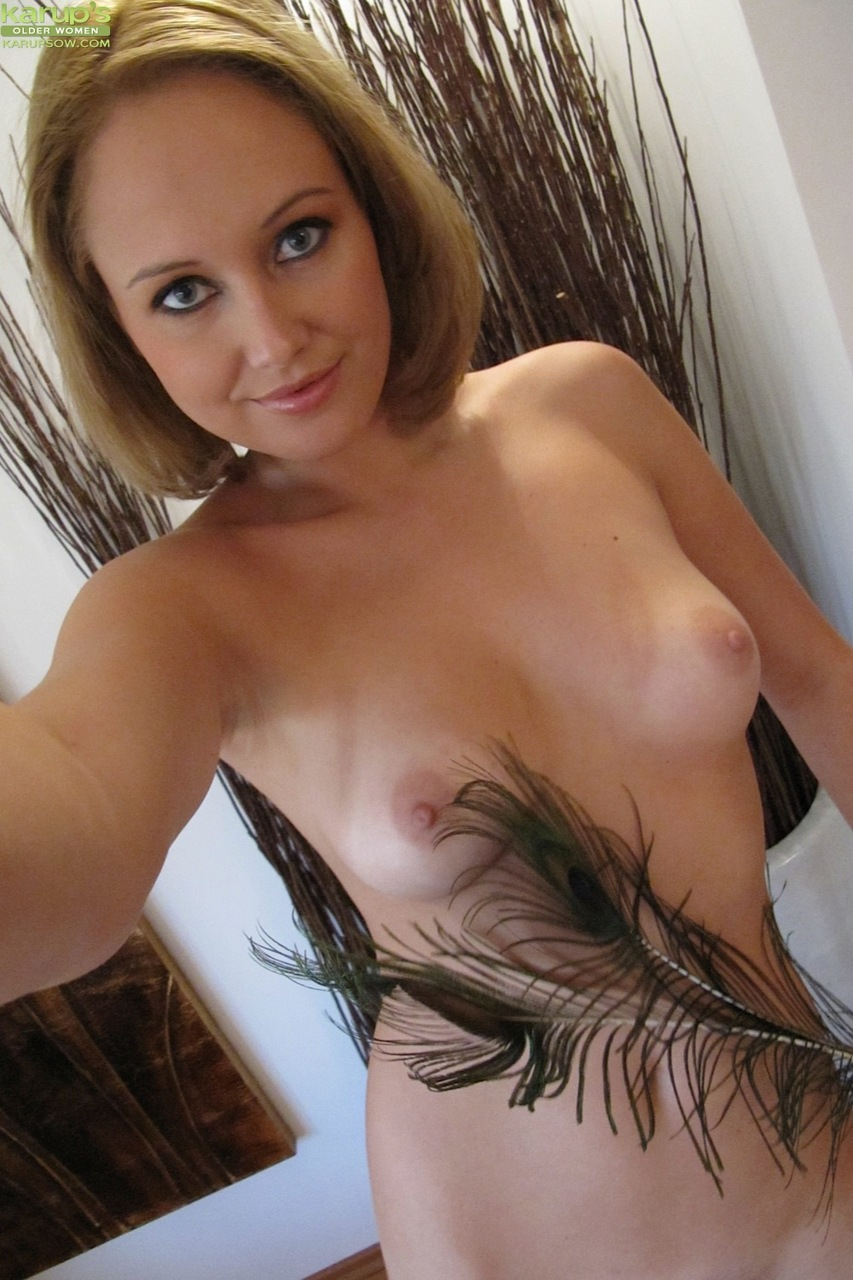 Nude amature milf selfies