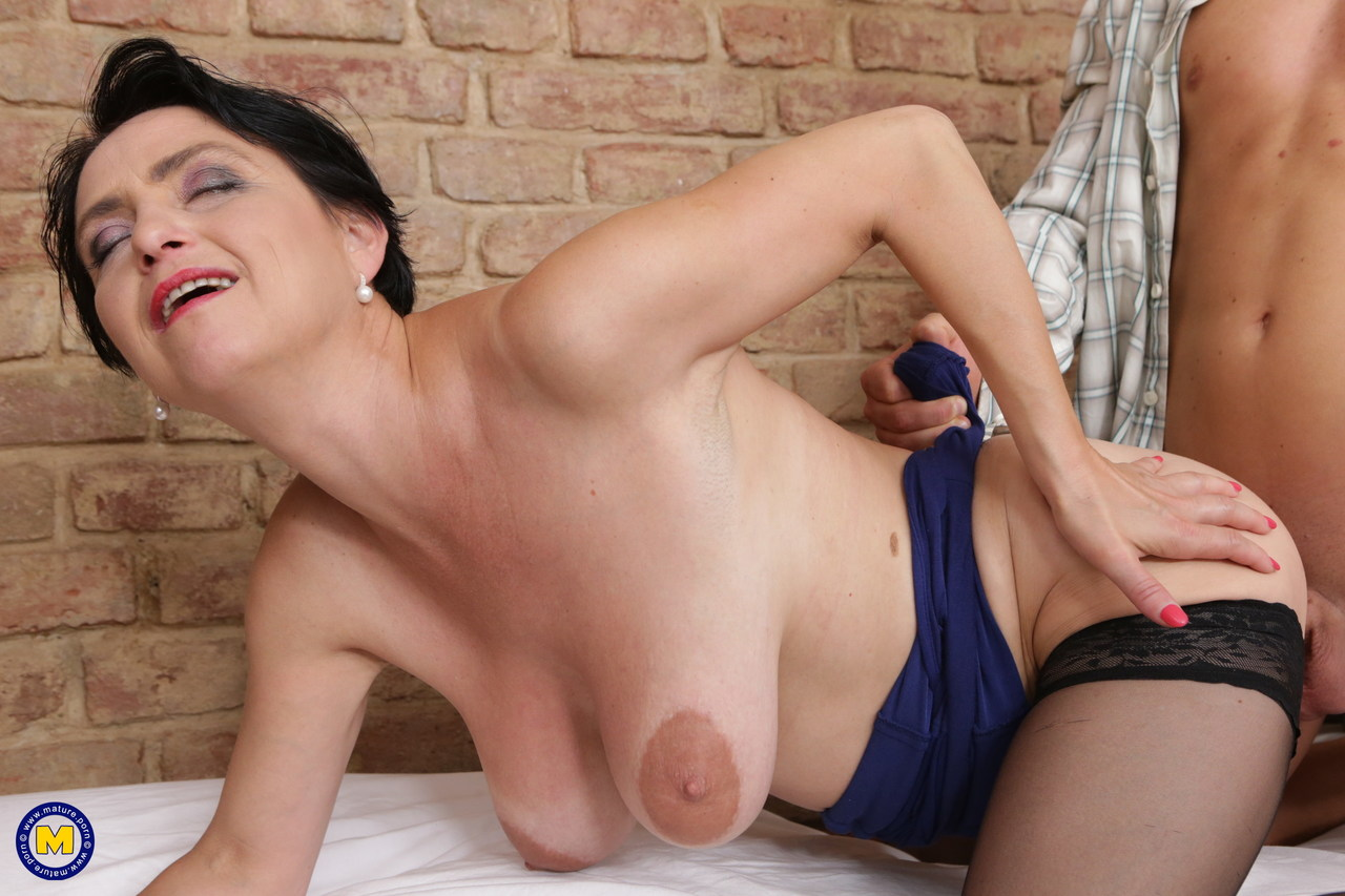 Kianna Dior Mature Busty Hot Wife Like To Bang Hardcore Picture
