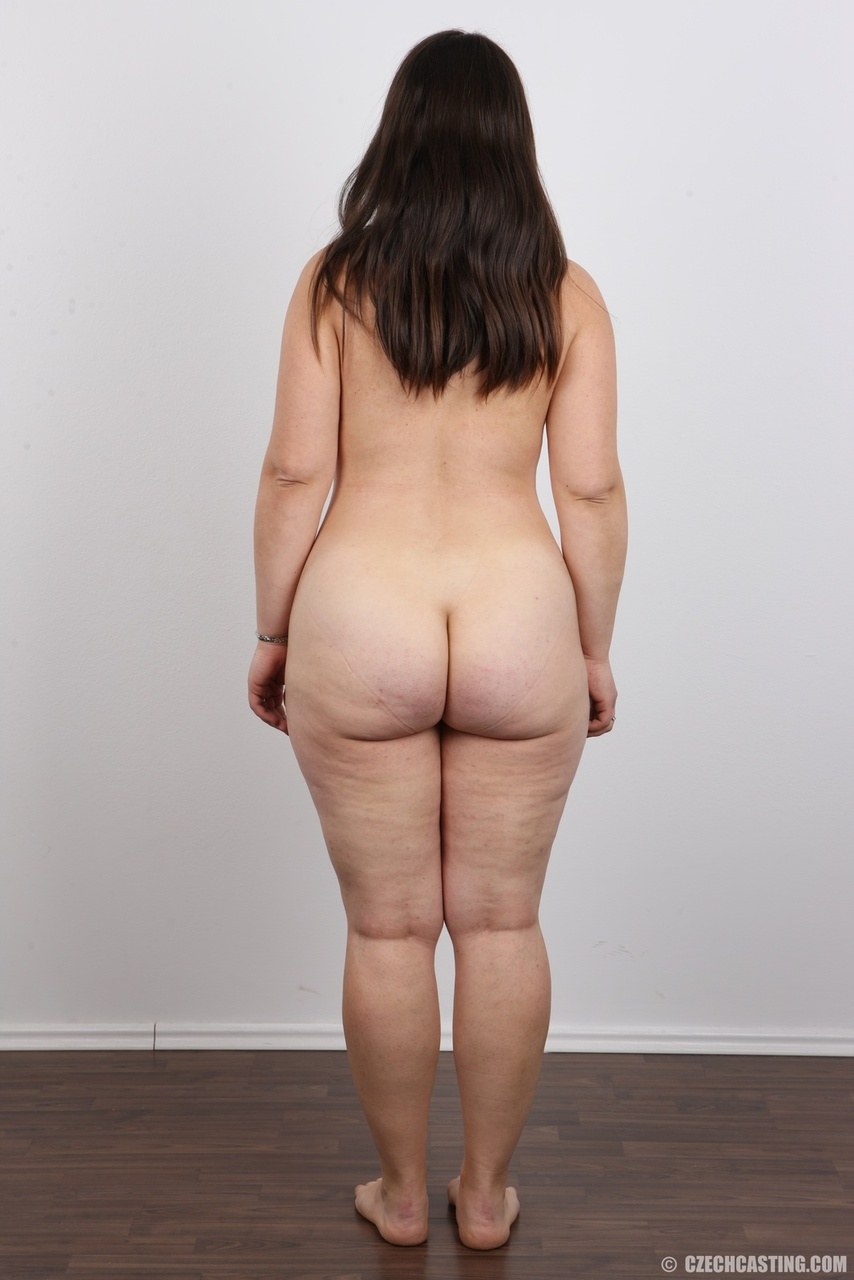 fat hips naked women