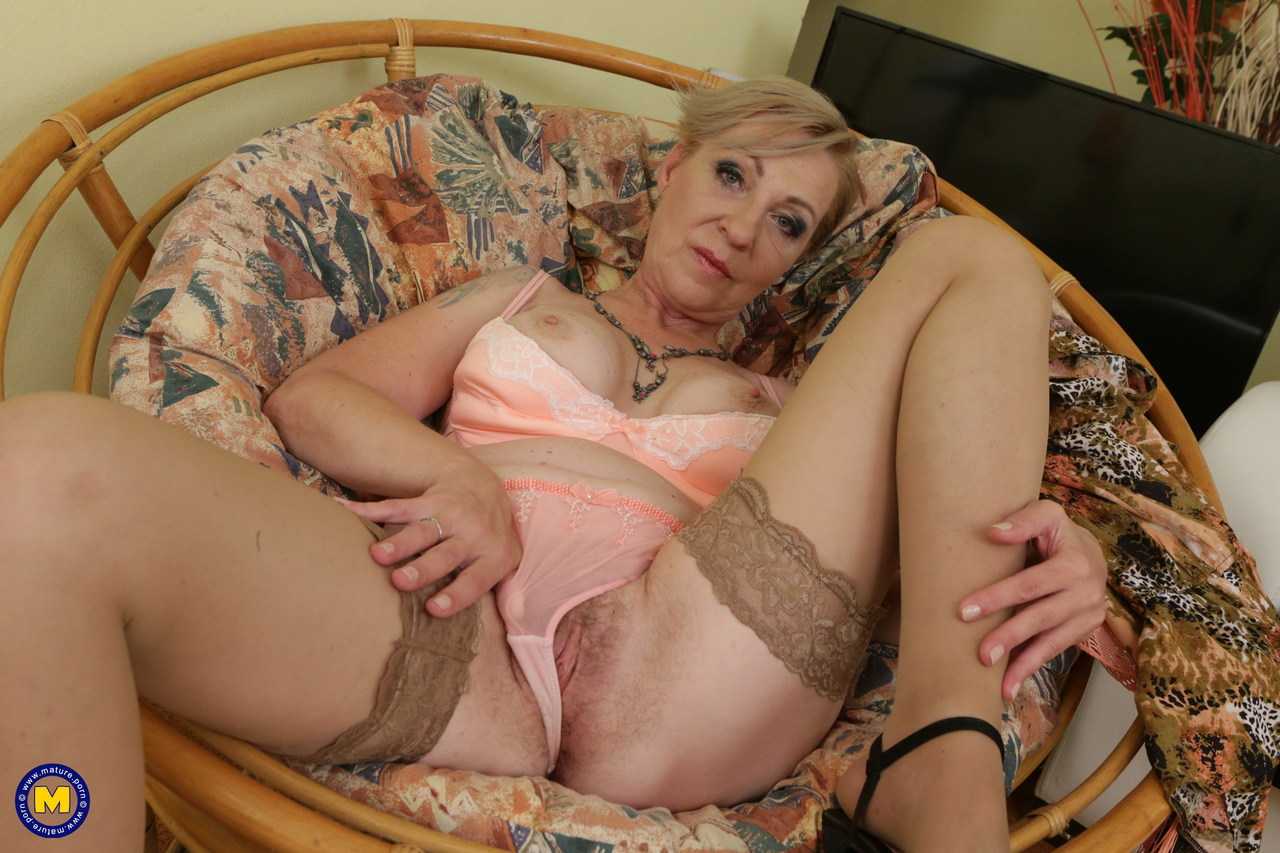 Something Old granny spread her pussy something