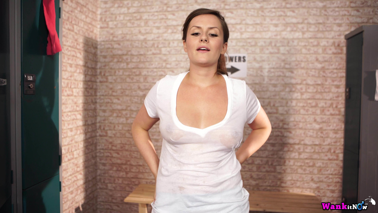 Chubby amateur Charlie Rose frees her natural tits from a T-shirt