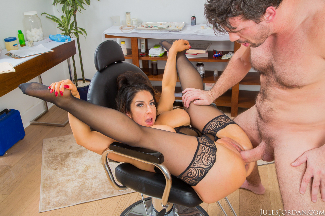 Anal slut raven hart squirts like a fountain from bbc 2