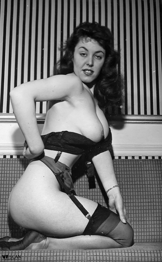Stockings wide garter hips and