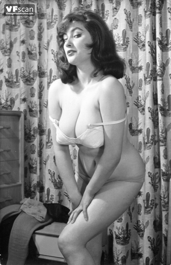 Busty vintage MILF models with big nipples showing off their hot wares