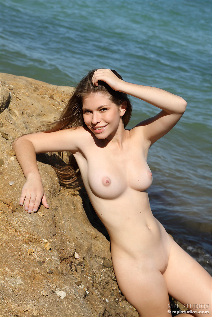 Hot hippie girls nudist