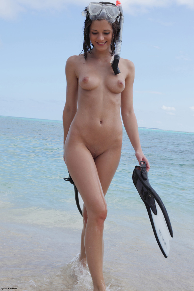 Free nude swimming photos manage