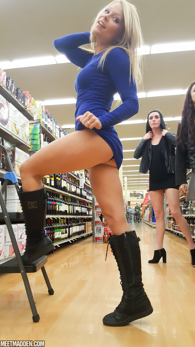 Not despond! Upskirt in store play not