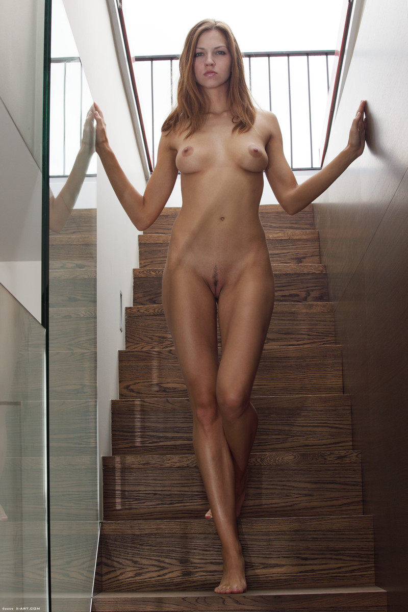 aleigha james answer pizza delivery naked