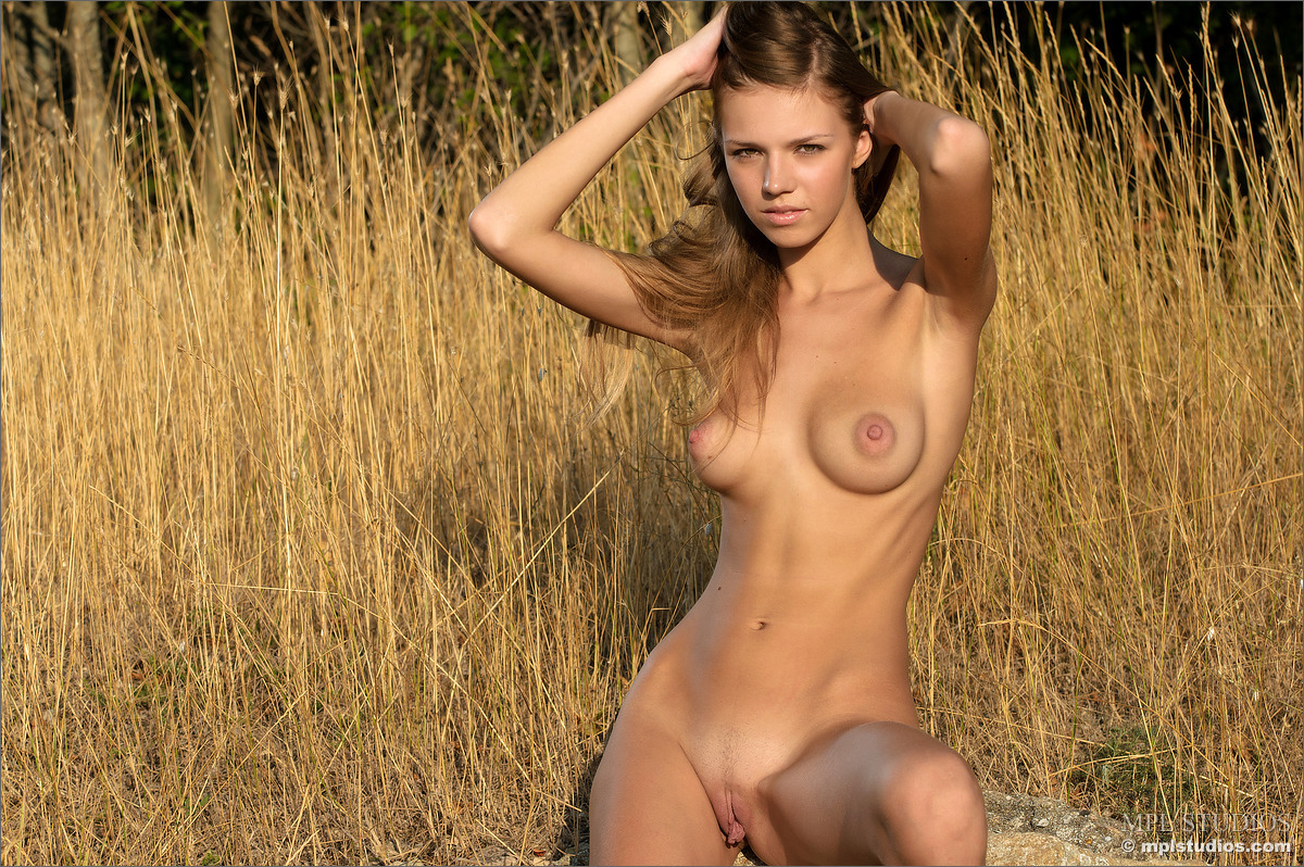 nudist girl