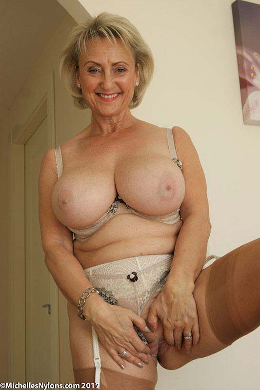 Busty huge mature 05
