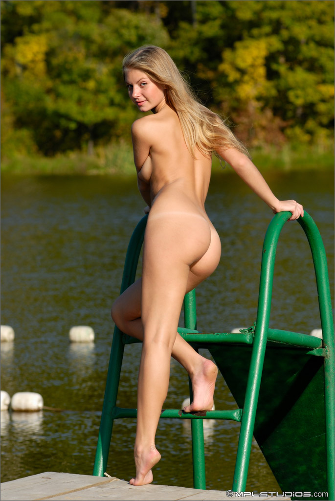 Nudist Teens  The true world largest collection of 100