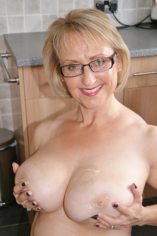 Huge Breasts Woman Toy Her Snatch