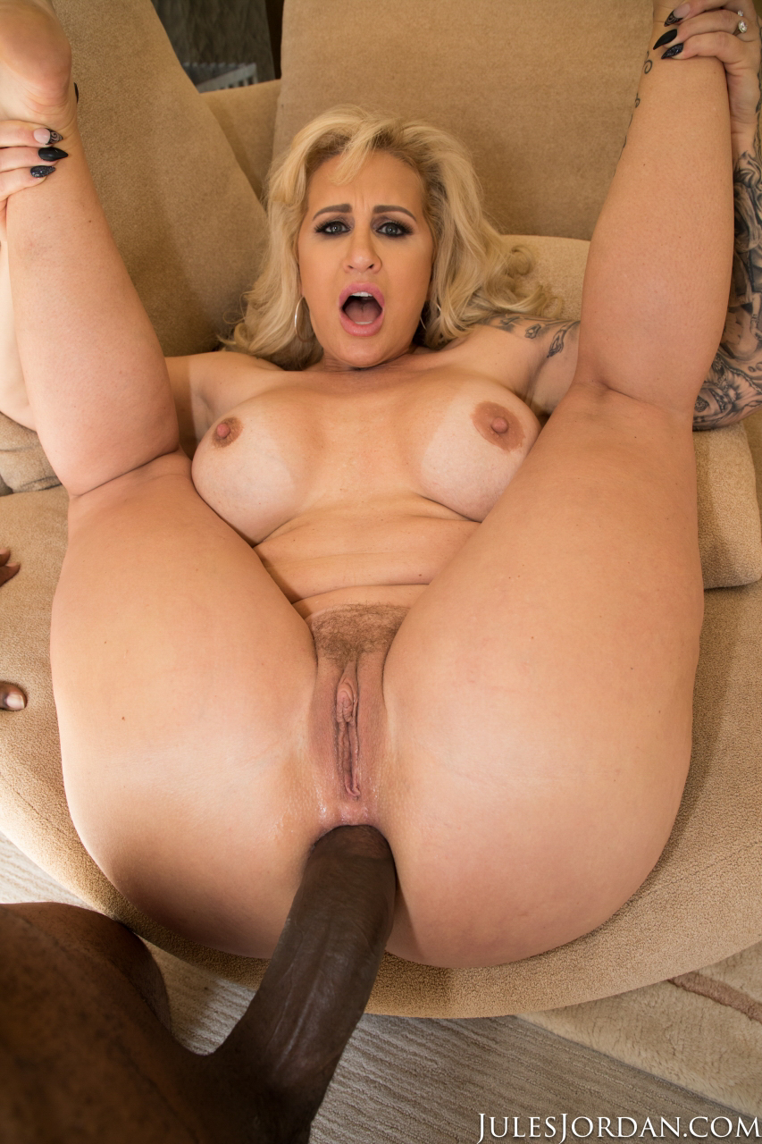 Chubby whore enjoys big cock in her pussy