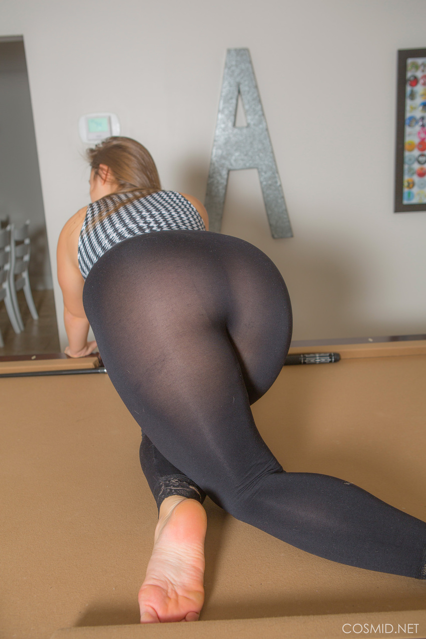 sexy young girls in yoga pants porn