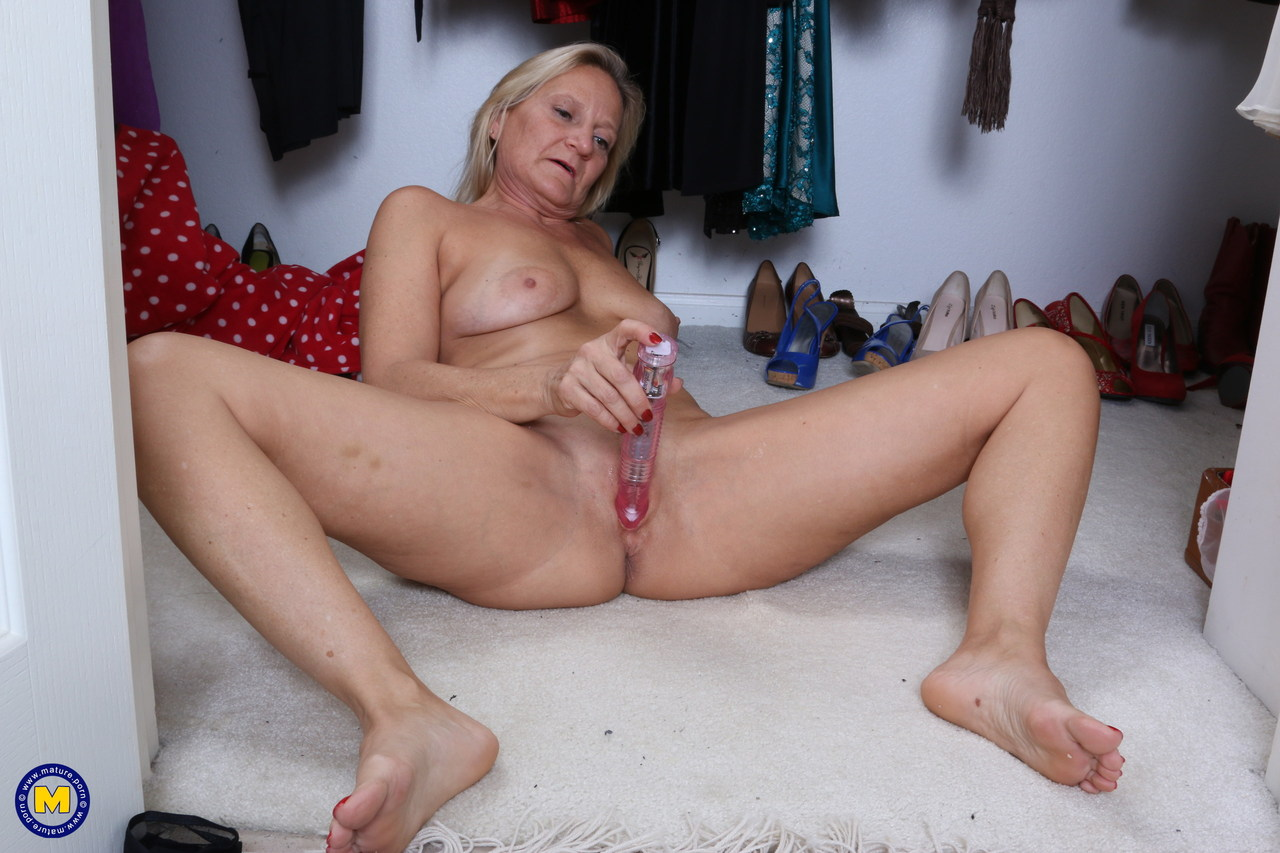 Stunning eating blondes in sixtynine