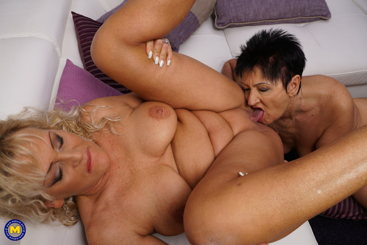 lesbians with fat pussies