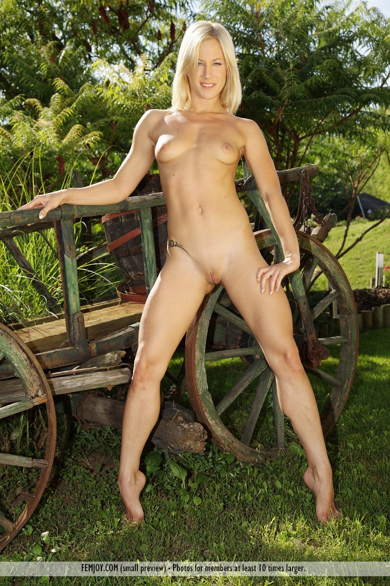 Hot tan nude blonde women