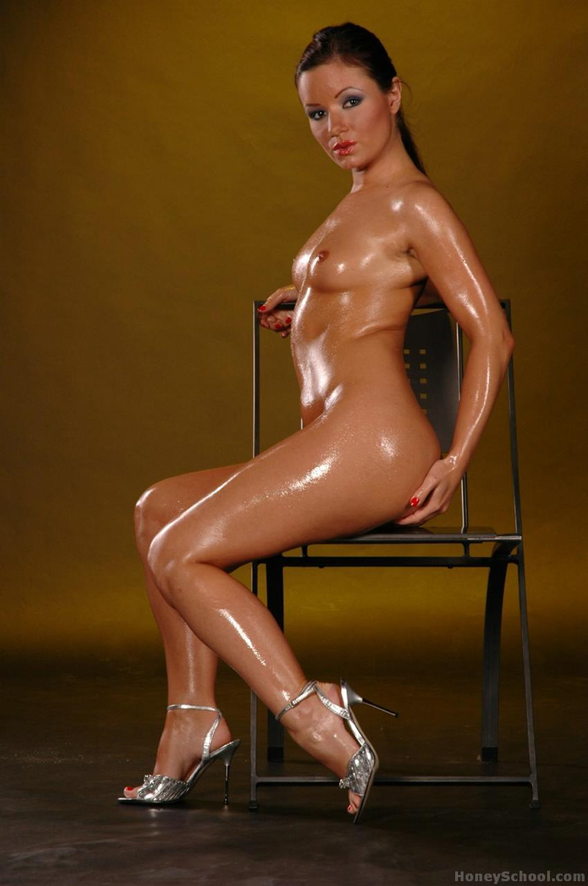 nude oiled teen pussy