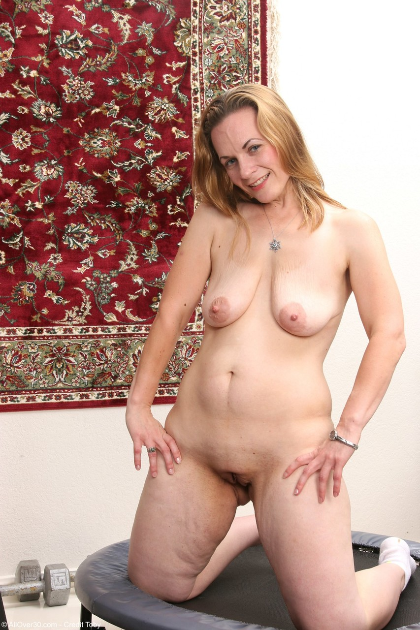mature Chubby tit housewife saggy