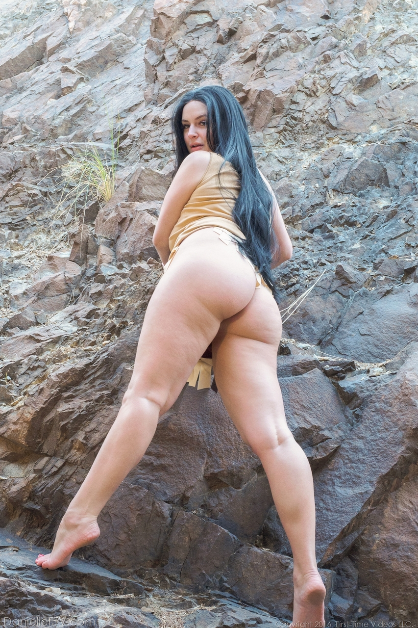 Big booty amateur brunette Danielle shows her pink pussy and butthole outdoors