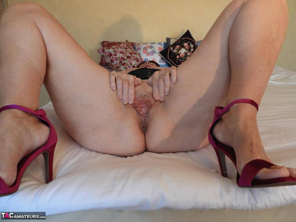 Old mature Kat Kitty with floppy boobs spreading pussy ...