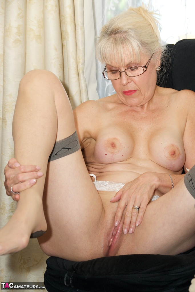 Granny tits and pussy