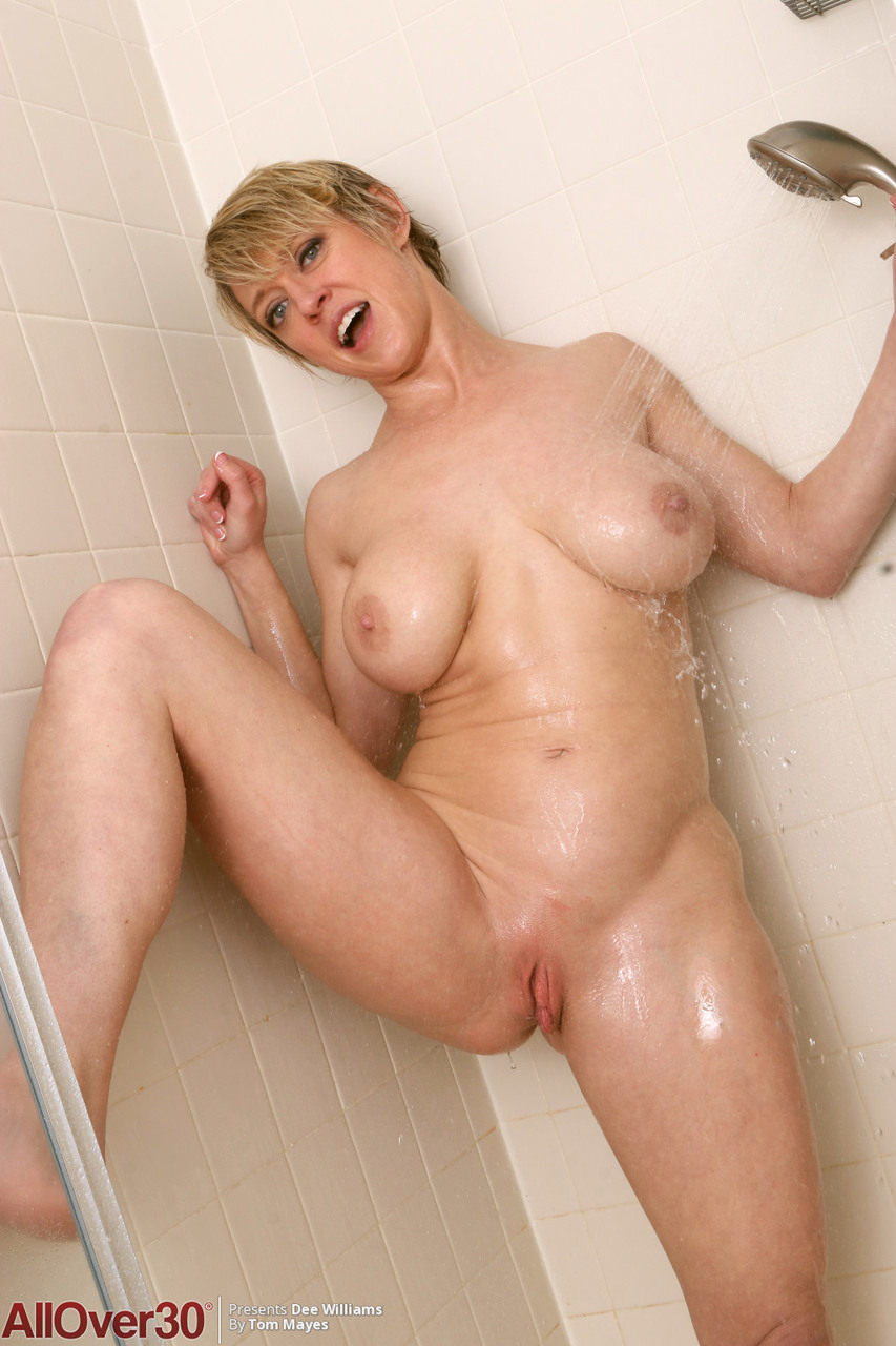 Dee wallace naked