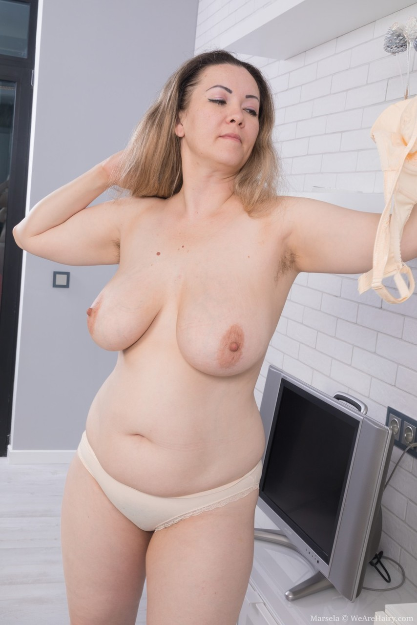 mature women with pretty tits