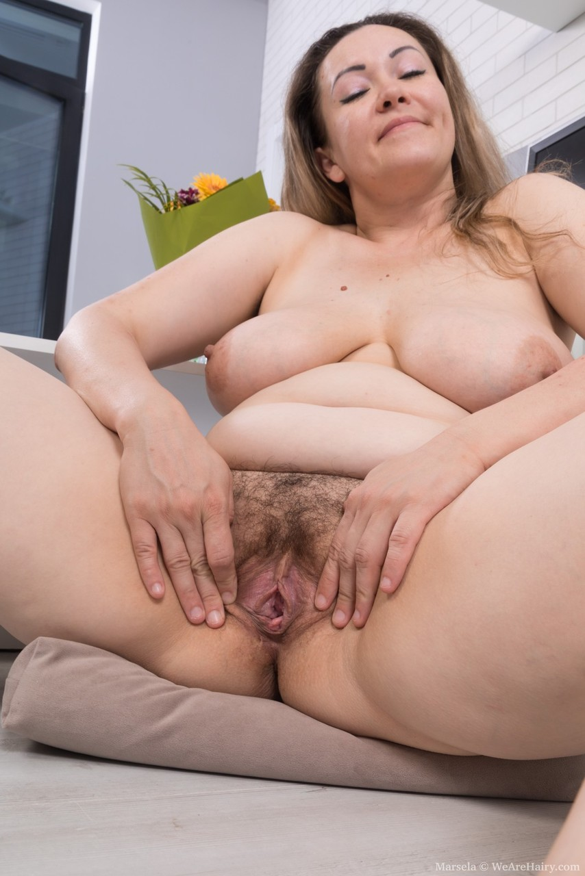 plump mature  pussy Nude photos - nude pics
