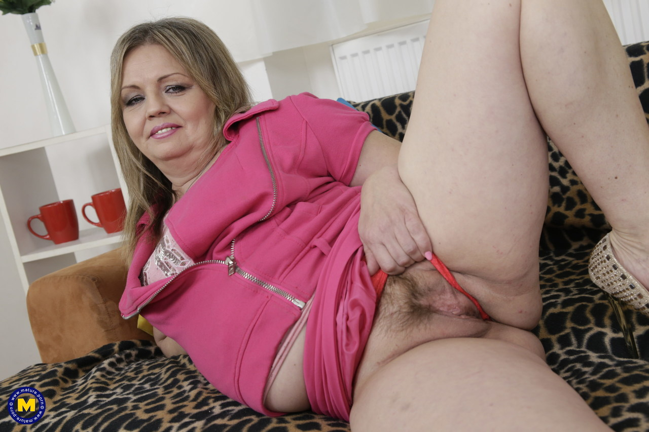 beaver hunt nude pussy ass anal