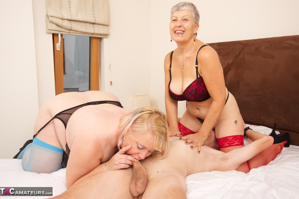 Mature Black Bbw Threesome