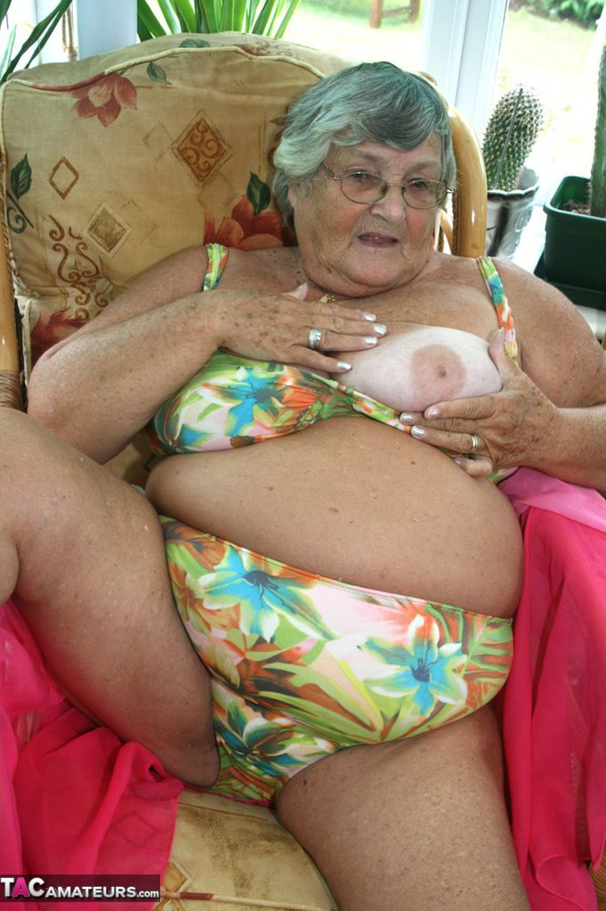 Saggy old granny tits