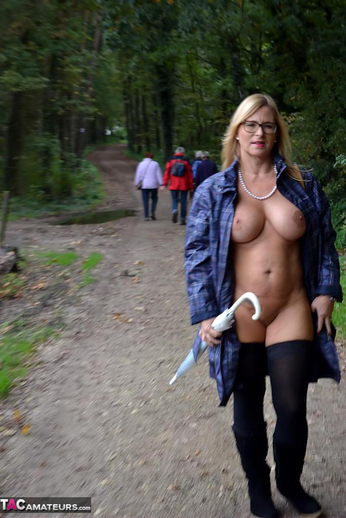 Woman Walking Naked Through Park - HEAVY-R