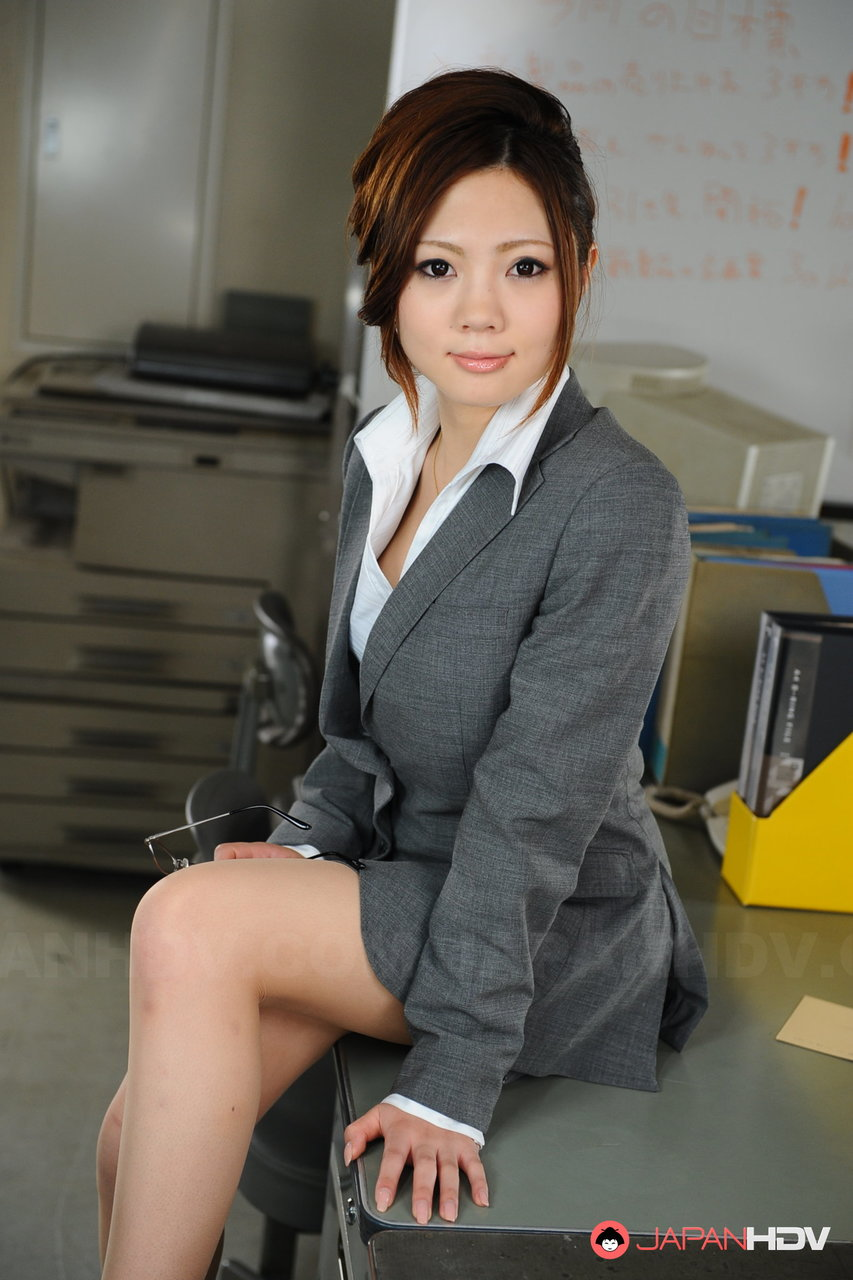 Beautiful Japanese businesswoman Iroha Kawashima exposes her brassiere at work ポルノ写真 #422355318 | Japan HDV, Iroha Kawashima,, モバイルポルノ